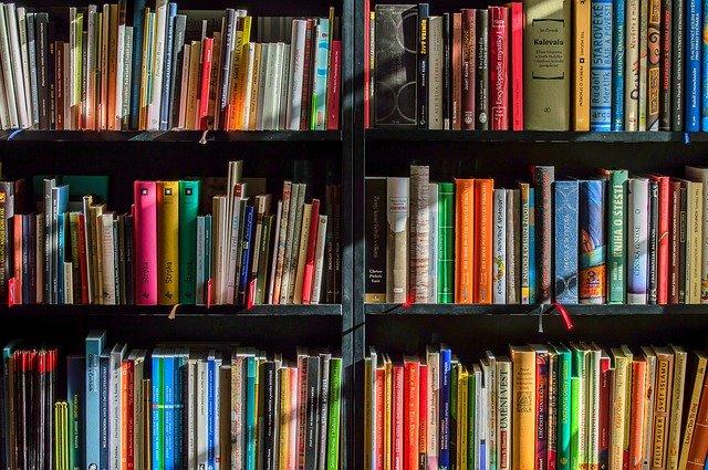 本棚の写真。